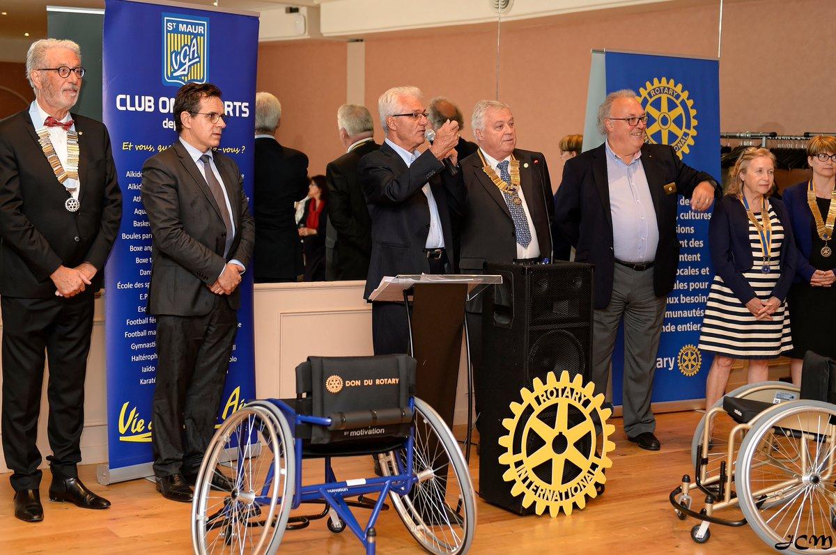 Le Rotary club de Saint-Maur remet 15 fauteuils à la section handisport de la VGA